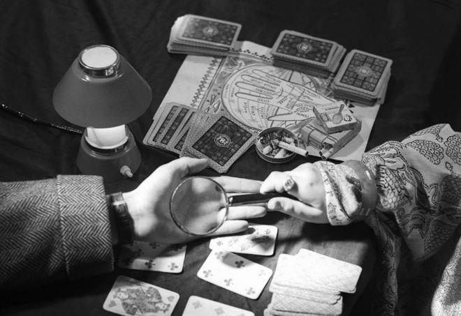 Arti divinatorie: il rapporto tra fede e cartomanzia